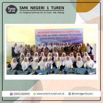 Workshop Peningkatan Kompetensi yang diikuti oleh guru dan siswa Jurusan Tata Busana bekerjasama dengan Rieel Tailor 2019